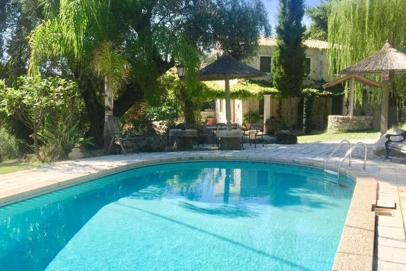 Villa Olivestone House