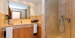 Las Terazzas Bathroom 2