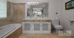 Villa 1 Master Bathroom 1938X1000