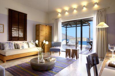 Premium One Bedroom Suite with Outdoor Jacuzzi & Sea View