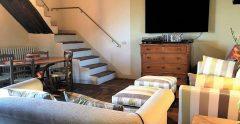 24 Farmhouse Sitting Room